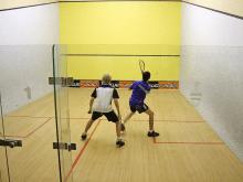 Já praticou squash?